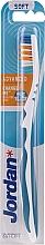 Voňavky, Parfémy, kozmetika Mäkká zubná kefka Advanced, bielo-modrá - Jordan Advanced Soft Toothbrush
