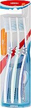 Súprava zubných kefiek strednej tvrdosti - Aquafresh Flex Medium Toothbrush — Obrázky N1