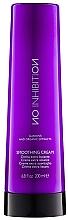 Voňavky, Parfémy, kozmetika Vyhladzujúci krém na vlasy - No Inhibition Styling Smoothing Cream