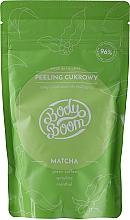 Voňavky, Parfémy, kozmetika Anticelulitídny cukrový peeling pre telo s matchou - BodyBoom Body Scrub