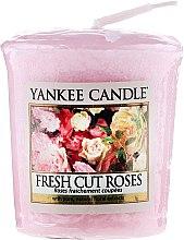 """Voňavky, Parfémy, kozmetika Vonná sviečka """"Čerstvé rezané ruže"""" - Yankee Candle Scented Votive Fresh Cut Roses"""