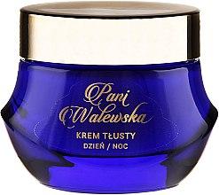 Voňavky, Parfémy, kozmetika Výživný krém regeneračné vyhladzovanie - Pani Walewska Classic Rich Day and Night Cream