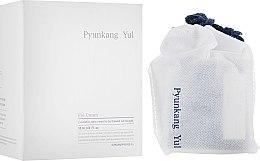 Voňavky, Parfémy, kozmetika Výživný regeneračný krém pre viečka s výťažkom astragalus a prírodnými olejmi - Pyunkang Yul Eye Cream