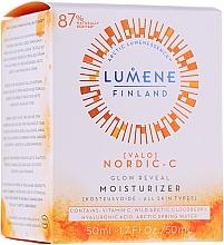 Voňavky, Parfémy, kozmetika Hydratačný denný krém na lesk koži - Lumene Valo Glow Reveal