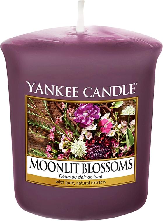 Aromatická sviečka - Yankee Candle Moonlit Blossoms