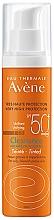 Voňavky, Parfémy, kozmetika Tónovací krém na opaľovanie pre mastnú a problematickú pleť - Avene Solaire Cleanance Tinted SPF50+ Sun Cream