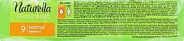 Hygienické vložky s krídlami, 9 ks - Naturella Classic Basic Normal — Obrázky N2