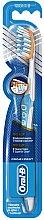 Voňavky, Parfémy, kozmetika Zubná kefka, azúrová - Oral-B Pro-Expert Pro-Flex 38 Medium