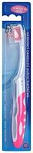 Voňavky, Parfémy, kozmetika Cestovná zubná kefka, ružová - VitalCare White Pearl Folding Travel Toothbrush