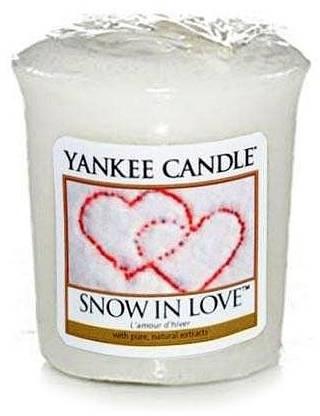 "Vonná sviečka ""Srdce na snehu"" - Yankee Candle Scented Votive Snow in Love — Obrázky N1"