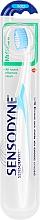 Voňavky, Parfémy, kozmetika Zubná kefka s mäkkými štetinami, bielo-modrá - Sensodyne Multicare Soft