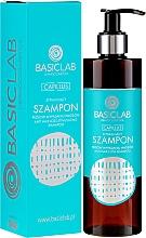 Voňavky, Parfémy, kozmetika Šampón proti vypadávaniu vlasov - BasicLab Dermocosmetics Capillus Anti Hair Loss Stimulating Shampoo