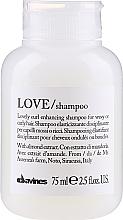 Voňavky, Parfémy, kozmetika Zosilňujúci šampón pre kučerý - Davines Love Curl Enhancing Shampoo