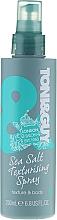 Voňavky, Parfémy, kozmetika Textúrový sprej pre vlasový styling - Toni & Guy Casual Sea Salt Texturising Spray