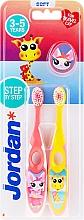 Voňavky, Parfémy, kozmetika Detská zubná kefka, 3-5 rokov, ružová + žltá, so žirafou - Jordan Step By Step Soft Clean