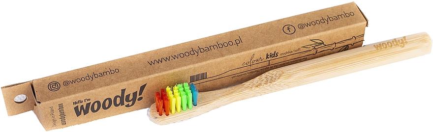 "Detská bambusová zubná kefka ""Colour"", rôznofarebné štetiny - WoodyBamboo Bamboo Toothbrush Kids Soft/Medium"
