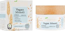 """Voňavky, Parfémy, kozmetika Hydratačný krém na tvár """"Ovos, pšenica, kokosové mlieko"""" - Bielenda Vegan Muesli Face Cream"""