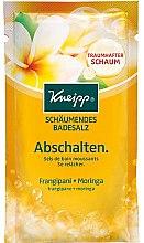 Voňavky, Parfémy, kozmetika Soľ do kúpeľa Relax - Kneipp Bubbling Mineral Bath Salt Unwind Frangipani and Moringa