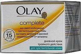 Voňavky, Parfémy, kozmetika Denný krém s trojitým účinkom pre citlivú pokožku - Olay Complete Day Cream