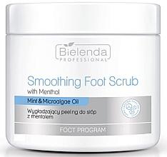 Voňavky, Parfémy, kozmetika Vyhladzujúci scrub na nohy s mentolom - Bielenda Professional Foot Program