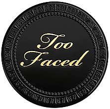 Voňavky, Parfémy, kozmetika Kompaktný púder na tvár - Too Faced Born This Way Powder