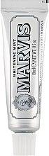 "Voňavky, Parfémy, kozmetika Bieliaca zubná pasta ""Mäta"" - Marvis Whitening Mint Toothpaste (mini)"