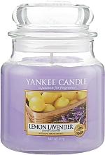 """Voňavky, Parfémy, kozmetika Vonná sviečka v sklenenej nádobe """"Citrón a levanduľa"""" - Yankee Candle Lemon Lavender"""